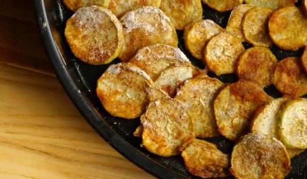 Пържени тиквички със сос Винегрет