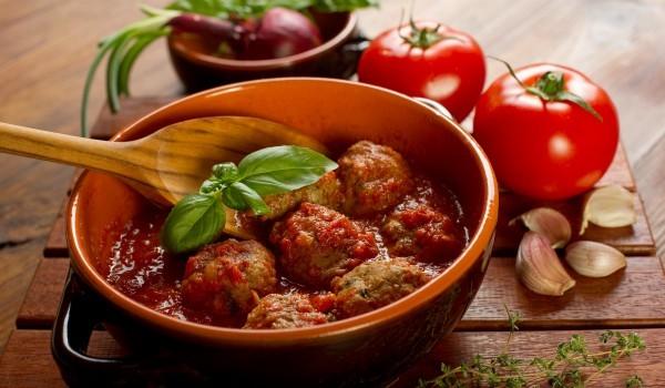 Соеви кюфтета в доматен сос