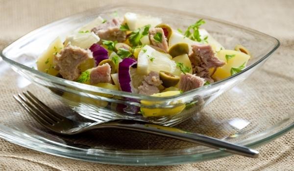 Картофена салата с риба тон и горчица