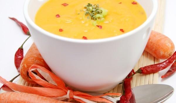 Супа с тиквички и моркови