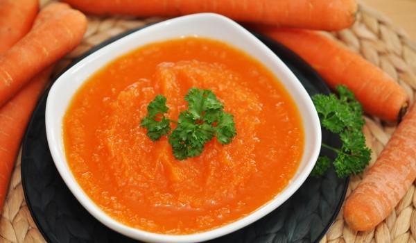 Студена кремсупа от моркови
