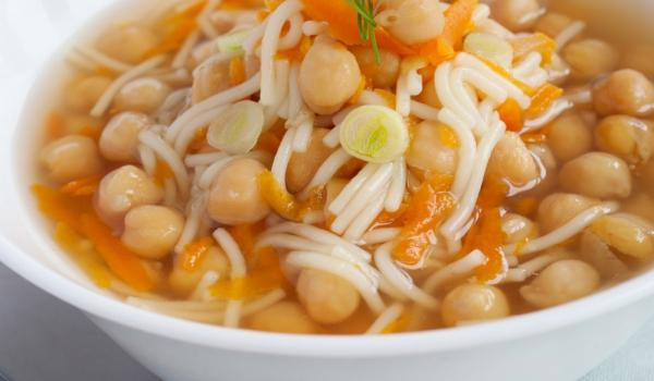 Супа от нахут с фиде