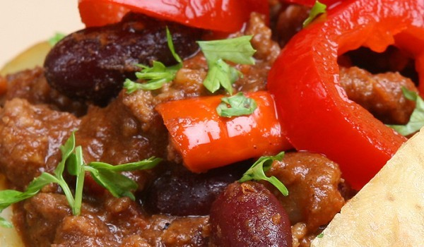 Чили от свинско с фасул