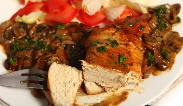 Пиле с гъби и арпаджик