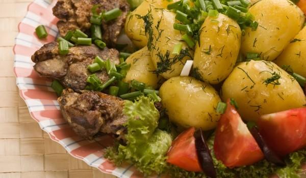 Пилешки трътки с картофи