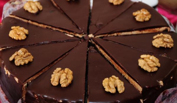 Орехова торта с кафе по руски