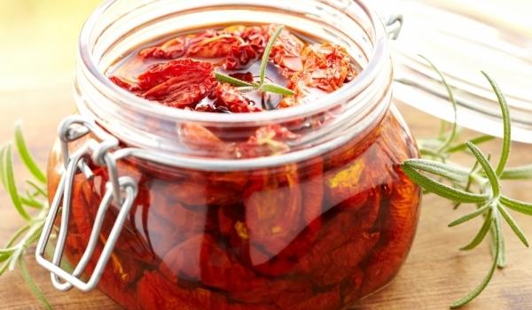 Сушени чери домати