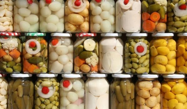 Консервирани зеленчуци в сладко-кисел сос